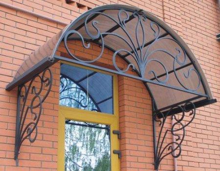 Производство фасадных козырьков