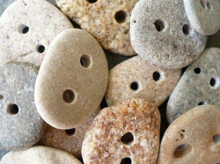 Каменные пуговицы