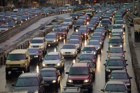 Как заработать на скучающих в пробке водителях